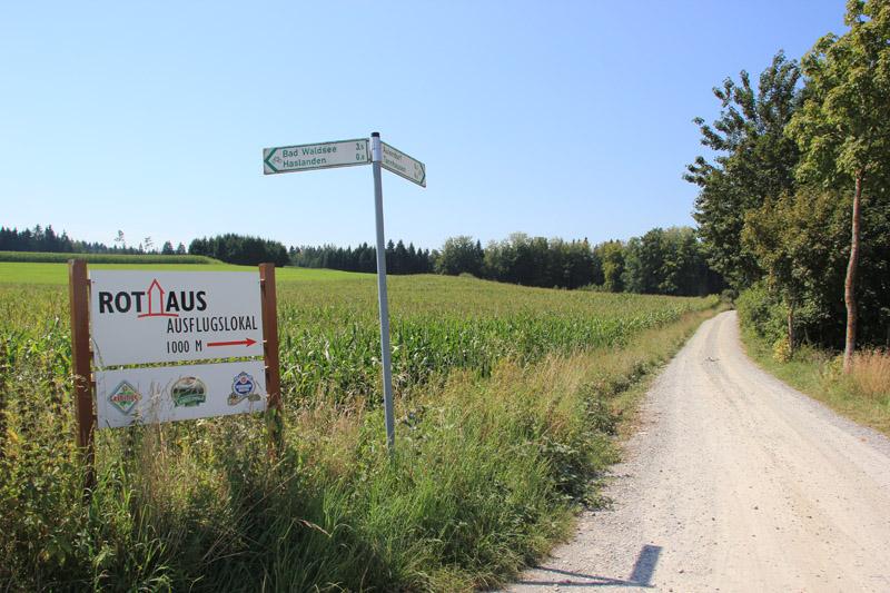 Abzweigung von Bad Waldsee kommend zum Rothaus