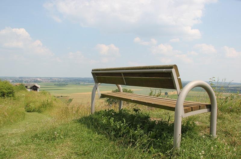 Sitzbank mit Ausblick