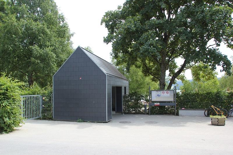 Eingang Badhaus Illmensee